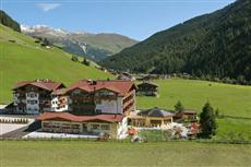 Hotel Eden Am Gruenen Tor Tux