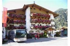 Zum Holzknecht Hotel Neustift im Stubaital